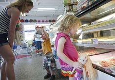 Season winds down; shops look to summer influx
