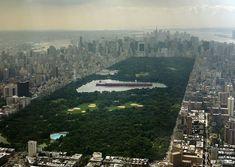 El mayor barco petrolero del mundo en el estanque de Central Park, New York