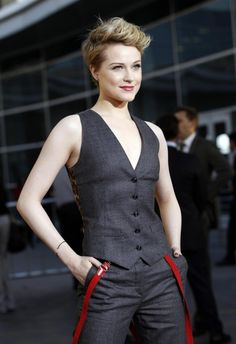 "garconniere: "" lavenderlines: "" jhameia: "" suicideblonde: "" Evan Rachel Wood at the season four premiere of True Blood last night in LA "" THAT TOP. Androgynous Women, Androgynous Fashion, Tomboy Fashion, Girl Fashion, Cut And Style, My Style, Girl Style, Beautiful People, Pretty People"