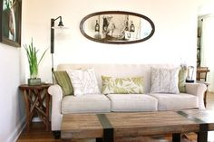 Living room: cushions, side tables, coffe table,