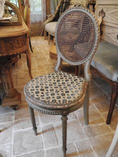French Chair (G-1)