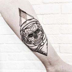 #dotwork #skull #oldschool #space #skulloldschool #blackandwhite #death #tattoo