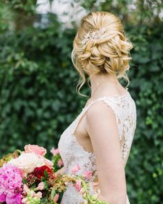 Wedding Hair Down Loving this textured up-do! Are you planning on wearing your hair up or down for the big day? (link in bio to shop the Monarch Gown Aurelie Comb Wedding Hairstyles With Veil, Bride Hairstyles, Formal Hairstyles, Loose Wedding Hair, Bridal Hair, Bridal Makeup, Headpiece Wedding, Bridal Headpieces, Wedding Hair Inspiration