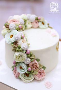 역시나 오랫만에 선보이는 앨리스의 러블리 케이크, 앨리스 플라워 가든 케이크에요 고운 줄기 따라 작약 ,...