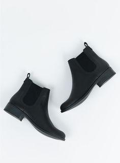 74acb0c67f91 Lipstik Black Akira Boots Leather Material, Online Fashion Boutique, Vegan  Shoes, Vegan Leather