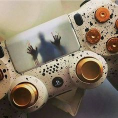 What is your favorite horror game? Visit the Link in Bio Hashtags (ignore ) Console Gaming Game NES SNES Sega Genesis Master System Nintendo Super Nintendo Playstation PSX Xbox One 360 Atari Dreamcast Gamecube Switch Wii Wii U Cool Ps4 Controllers, Ps4 Controller Custom, Game Controller, Playstation Games, Ps4 Games, Games Consoles, Resident Evil, Control Ps4, King's Quest