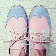 #Pose #fashion  Love these pastel oxfords!