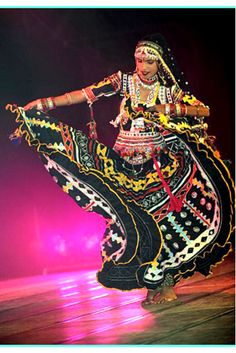 Kalbeliya dance is performed by kalbeliyas who hail from Rajasthan and are snake charmers by profession. These dancers play a crucial role in the climax of NSZ.