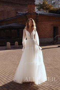 Open Back Wedding Dress, Gorgeous Wedding Dress, Stunning Dresses, Boho Wedding Dress, Cream Wedding Dresses, Wedding Dresses Photos, Base Model, Corset, Chantal