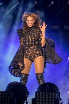 Beyoncé's Best Tour Costumes  - ELLE.com