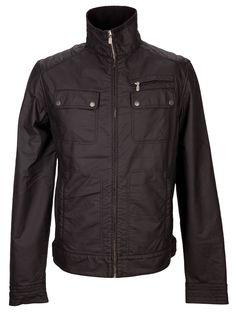 The perfect match: Leichte Wachsjacke in Schwarz von Belstaff. Die regenfeste Jacke im leichten Bikerstil hat einen geraden Schnitt, fünf Taschen, einen Stehkragen und lässt sich durch einen Reißverschluss und Druckknöpfe schließen.