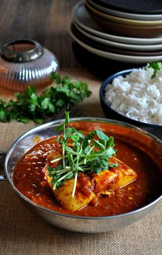 Poached Halibut in Thai Curry Broth — Lisa Dawn Bolton Poached Fish Recipes, Halibut Recipes, Seafood Recipes, Curry Sauce Recipe Indian, Thai Curry Sauce, Healthy Breakfast Recipes, Easy Healthy Recipes, Asian Recipes, Savoury Recipes