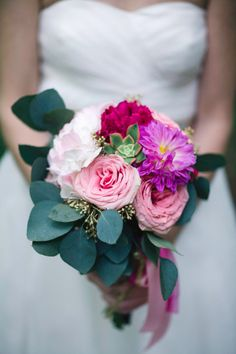 pink and gold bridal bouquet by Uy-Lennon Flower