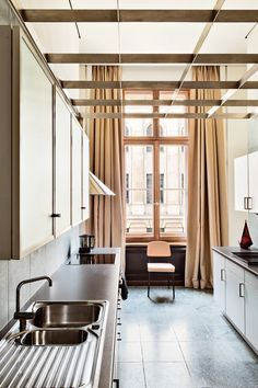 In/Out - OUT/ABOUT: Emmanuel de Baysers Mid Century Home Berlin
