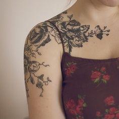 Girl sleeve flower tattoo on shoulder
