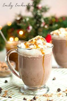 Rumchata Recipes, Eggnog Recipe, Mexican Hot Chocolate, Hot Chocolate Recipes, Crockpot Drinks, Alcohol Chocolate, Strawberry Banana Milkshake, Banana Coffee, Hot Coffee