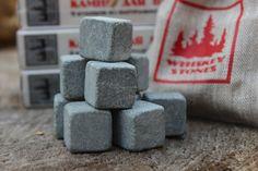 Камни Для Виски - Whiskey Stones (Упаковка - Книжка) Артикул: W2242 Наличие товара: В наличии 665 руб. Производятся камни в Карелии, имеют свой уникальный дизайн и оригинальную упаковку.