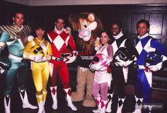 Mighty Morphin' Power Rangers - Behind the scenes photo of David Yost, Amy Jo Johnson, Jason David Frank, Walter Jones, Austin St. John & Thuy Trang
