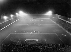 Boleyn Forever: Great pic - First game under lights - Claretandhugh English Football Stadiums, West Ham United Fc, Sports Stadium, Great Pic, Park Homes, East London, How To Memorize Things, Around The Worlds, Games