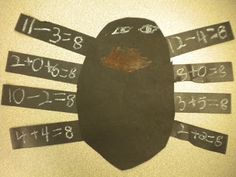 Buzzin' on Cupcakes in 1st Grade!: Spiders!