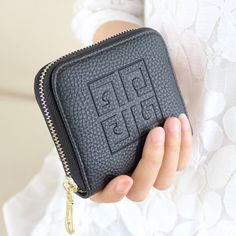 Coin Purse Wallet -- I've always wanted a smaller coin purse besides my wallet