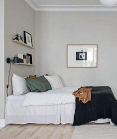 Stylish beige studio home Minimalist Bedroom Beige Home Studio Stylish Decoration Ikea, Decoration Bedroom, Home Bedroom, Bedroom Alcove, Bedroom Signs, Master Bedrooms, Bedroom Apartment, Bedroom Ideas, My New Room