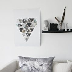 Don't you just love diamonds? Here is how to make your own geometric wall hanging diamond