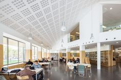 Biblioteca Jaume Fuster (Josep Llinás)
