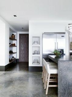 le sol en béton ciré est un vrai hit pour les cuisines