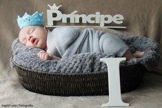 Mini coroa em Crochê Azul Bebê