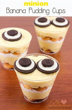 minion Banana Pudding Cups are the perfect no bake dessert for a minion party or as a movie night snack while watching the Minions movie. This delicious banana pudding contains layers of vanilla wafers, pudding and whipped topping. The pudding cups are de Dessert Party, Party Desserts, No Bake Desserts, Dessert Recipes, Baking Desserts, Potluck Desserts, Birthday Desserts, Party Snacks, Dinner Recipes