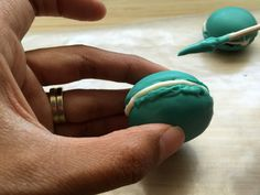 When cake pop artist Kris Galicia Brown was tasked with making treats for a macaron lover, she came up with these amazing hybrid treats!