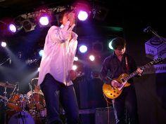 [Champagne]2004/12/27 池袋のLIVE INN ROSAで行われた 友人のバンド[Champagne]のライブ Champagne, Live, Pink