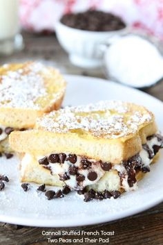 Cannoli Stuffed French Toast 1 cup ricotta cheese 1/4 cup powdered sugar 1/2 teaspoon vanilla extract 1/3 cup semi-sweet chocolate chips 2 large eggs 1/4 cup heavy cream (or milk) 4 slices French bread 2 tablespoons butter Powdered sugar-for serving