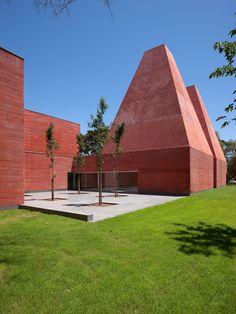 Paula Rêgo Museum _ by Eduardo Souto De Moura