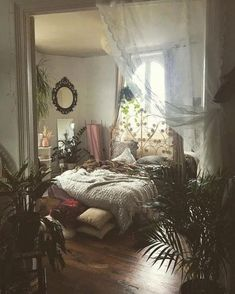 120+ shocking bohemian bedroom decoration ideas for you to see 25 ~ mantulgan.me - #bohemianbedroom