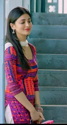 Most Beautiful Bollywood Actress, Bollywood Actress Hot, Bollywood Girls, Beautiful Indian Actress, Beautiful Asian Girls, Beautiful Actresses, Bollywood Heroine, Tamil Actress, Trendy Kurti