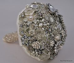 Bling! Bling! Brooch Bouquet #bridal #bouquet