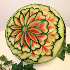 Carve Fruit Gallery Carving Room – Food sculpture ideas – – - New Sites L'art Du Fruit, Deco Fruit, Fruit Art, Fruit Sculptures, Food Sculpture, Sculpture Ideas, Veggie Art, Fruit And Vegetable Carving, Watermelon Art
