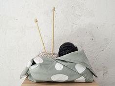 DIY-Anleitung: Japanische Azuma Bukuro Bag nähen um Dein Strickzubehör zu verstauen / DIY-tutorial: sewing a japanese bukuro bag to stow your knitting supplies via DaWanda.com