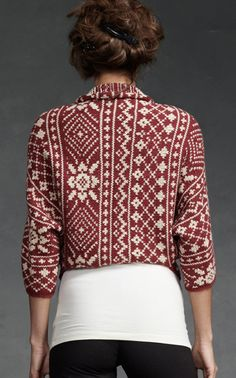 This In a full sweater- jumper or cardigan- Fair Isle Shrug - Tops, Sweaters - CAbi Fall 2012 Collection Fair Isle Knitting Patterns, Fair Isle Pattern, Knit Patterns, Knit Fashion, Sweater Fashion, Pull Jacquard, Fair Isles, Hand Knitting, Vogue Knitting