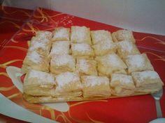 Pastelitos de crema (miguelitos) Apple Pie, Dairy, Cheese, Desserts, Food, Html, Cream Pie, Pastries Recipes, Flaky Pastry
