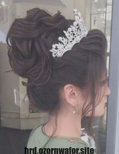 quinceanera hairstyles - Bridal Hairstyles Inspiration Long wedding updos and hairstyles from Elstile weddinghairstyle weddingup br Quince Hairstyles, Permed Hairstyles, Wedding Hairstyles For Long Hair, Wedding Hair And Makeup, Wedding Updo, Bride Hairstyles, Trendy Hairstyles, Hairstyle Ideas, Long Hair Updo Prom