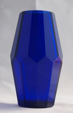 Online veilinghuis Catawiki: Moser Karlsbad (vermoedelijk) - kobaltblauwe facet geslepen vaas