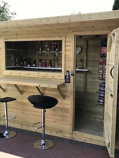 · Elite Log Lap cladding. All buildings are supplied sectional enabling ease of construction for the general DIY market ( if required.). Any Size Made. Outdoor Garden Bar, Garden Bar Shed, Diy Outdoor Bar, Backyard Bar, Backyard Kitchen, Backyard Patio Designs, Outdoor Sheds, Backyard Landscaping, Patio Bar