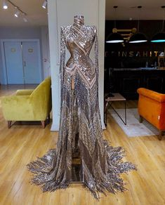 View more beautiful gowns by browsing Pageant Planet's dress gallery! Glam Dresses, Event Dresses, Pretty Dresses, Fashion Dresses, Formal Dresses, Planet Dresses, Luxury Dress, Beautiful Gowns, Evening Gowns
