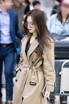 Kpop Fashion Outfits, Girls Fashion Clothes, Classy Outfits, Cute Outfits, Gigi Hadid Outfits, Apink Naeun, Stylish Photo Pose, Chica Cool, Korean Girl Fashion