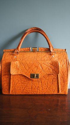 Gorgeous vintage leather bag embossed leather von VeryVintage24, €50.00