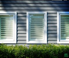Linea weatherboards offset with white axent trim #house #cladding #jameshardie #exterior #coastal #australia #linea #weatherboard #contemporary White Exterior Houses, Grey Exterior, Exterior Color Schemes, House Color Schemes, Grey Houses, Exterior Window Trims, Exterior House Colors, Exterior Design, Exterior Paint