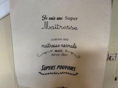"""Tote bag """"je Suis une super maîtresse """" : Sacs bandoulière par froufrou-dentelle-et-chat-lala"""